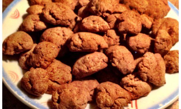 Sugarfree pepernoten (gingerbread?)! Even Mia loves them..
