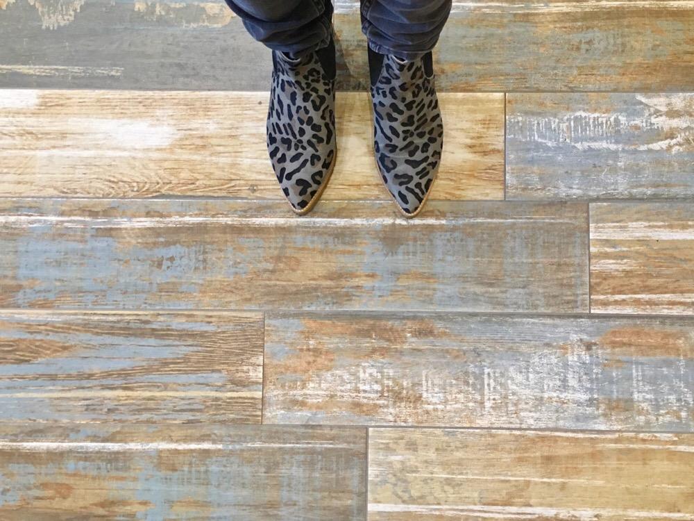 tegelvloer van hout - sloophout