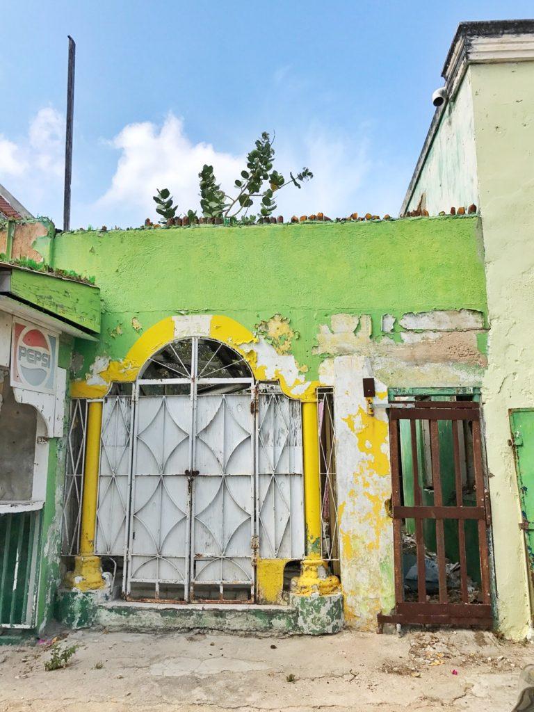 vervallen huis Scharloo