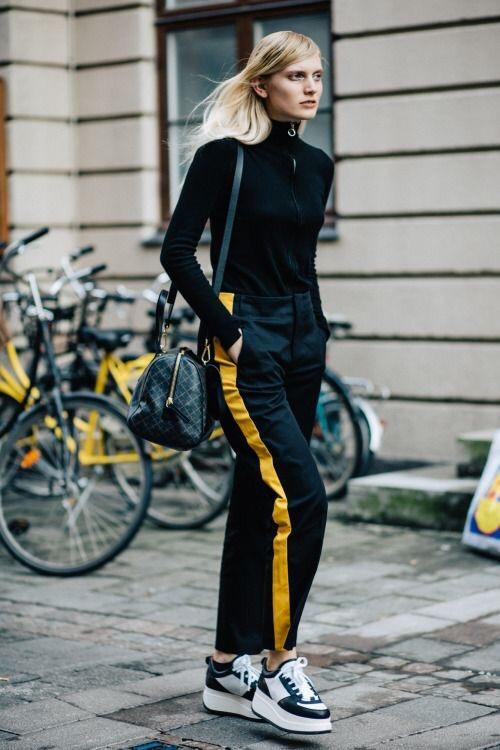 Fashiontrend Wijde Broek Met Strepen Inspiratie One