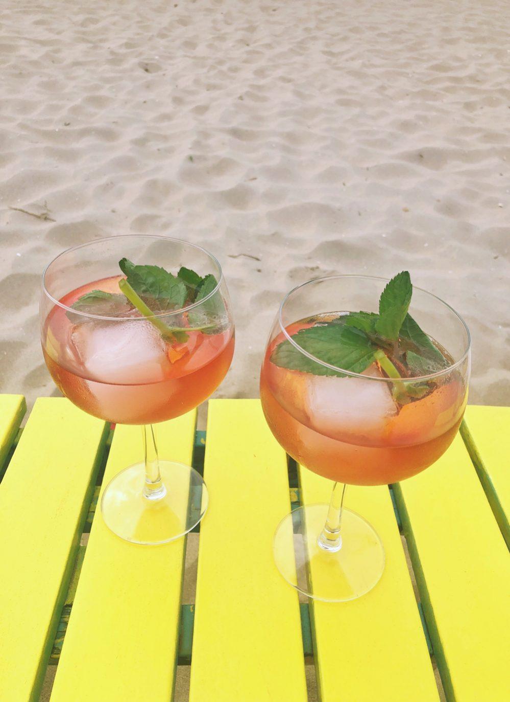 gin-tonic met Schweppes hibiscus tonic