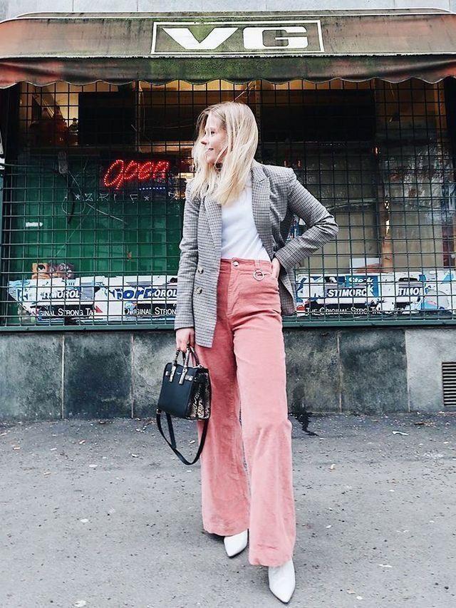 roze broek combinatietips