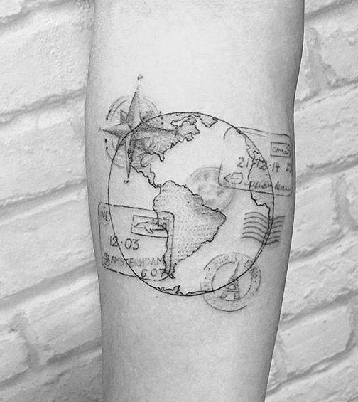 worldmaptattoo met kompas