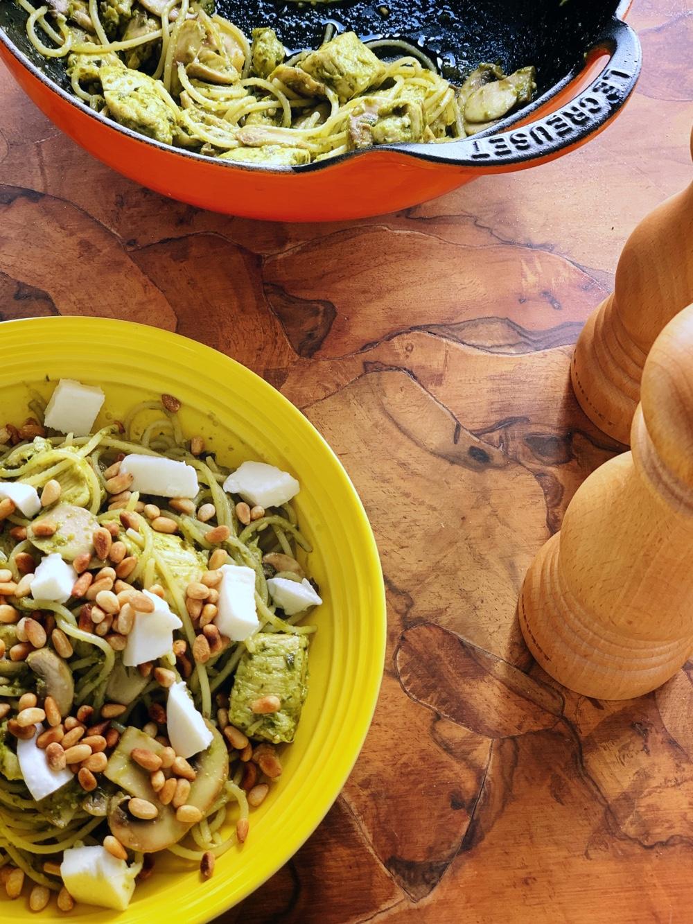 Heerlijk makkelijk recept voor pasta pesto met kip