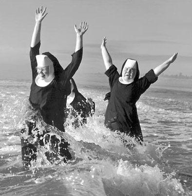 nonnen in de zee