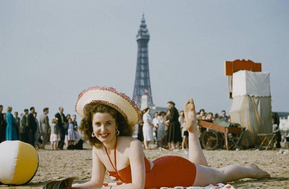 beach model 1940's