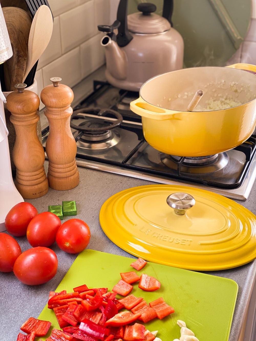 linzensoep met tomaat en puntpaprika